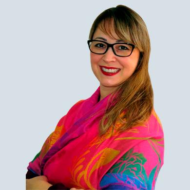 Claudia Nakano - Consultora Jurídica